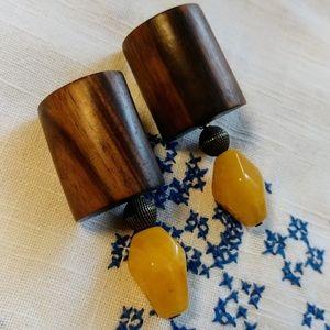 70s stone & wood convertible pierced earrings